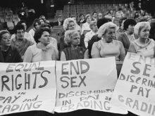 Von verbrannten BHs bis zu #metoo: Die lange Nacht über Frauenbewegung