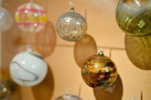 Historisches und Völkerkundemuseum: In David Bürklers Passion für Weihnachtsschmuck eintauchen