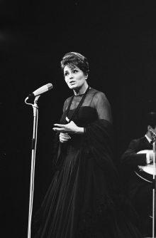 Eine Königin, ihre Erbinnen und die Musik Portugals