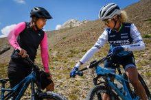 Die Golden Girls der Schweiz schalten mit einen Bike-Tag im Engadin ab