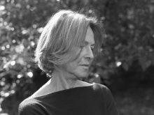 Louise Glück wird für ihre Lyrik mit dem Nobelpreis geehrt