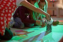 Kinder Kunst Klub: Nina Canell. Reflexologies