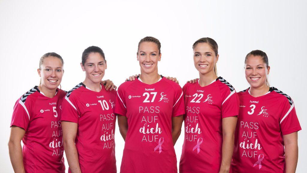 Pink gegen den Brustkrebs im Brustkrebsmonat Oktober