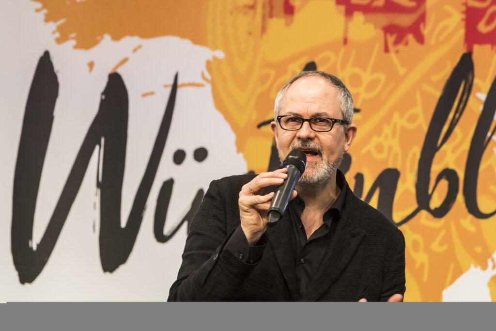 Textautor Gil Mehmert befragt zum Musical «Wüstenblume»