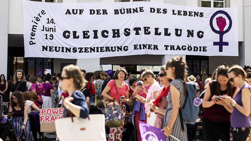 Bundesrat beschliesst – nach 40 Jahren Gleichstellungsartikel – erste nationale Gleichstellungsstrategie