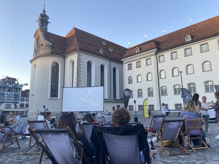 """OstSinn Solarkino-Event auf dem Gallusplatz – """"Sein – Gesund Bewusst Lebendig"""""""